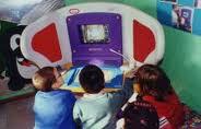 bambini ad una postazione Kidsmart