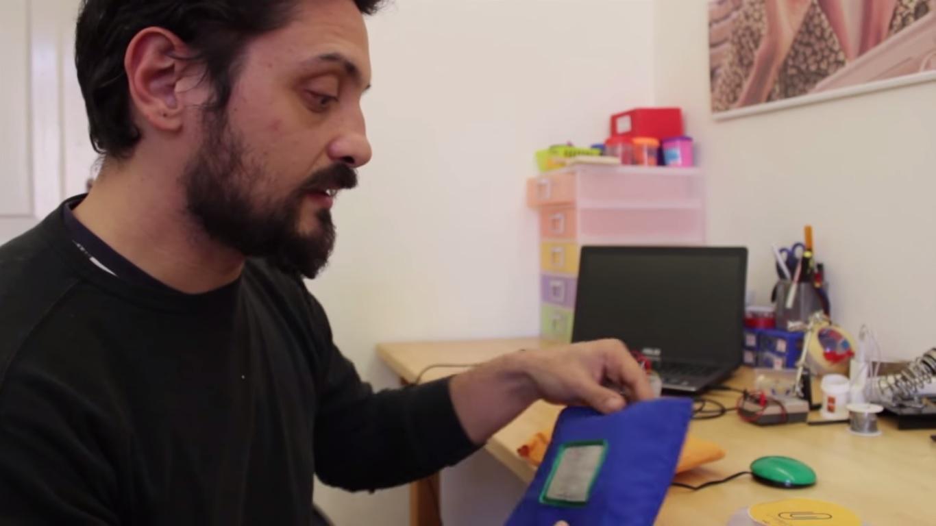 Luca Enei durante la progettazione di Click4All